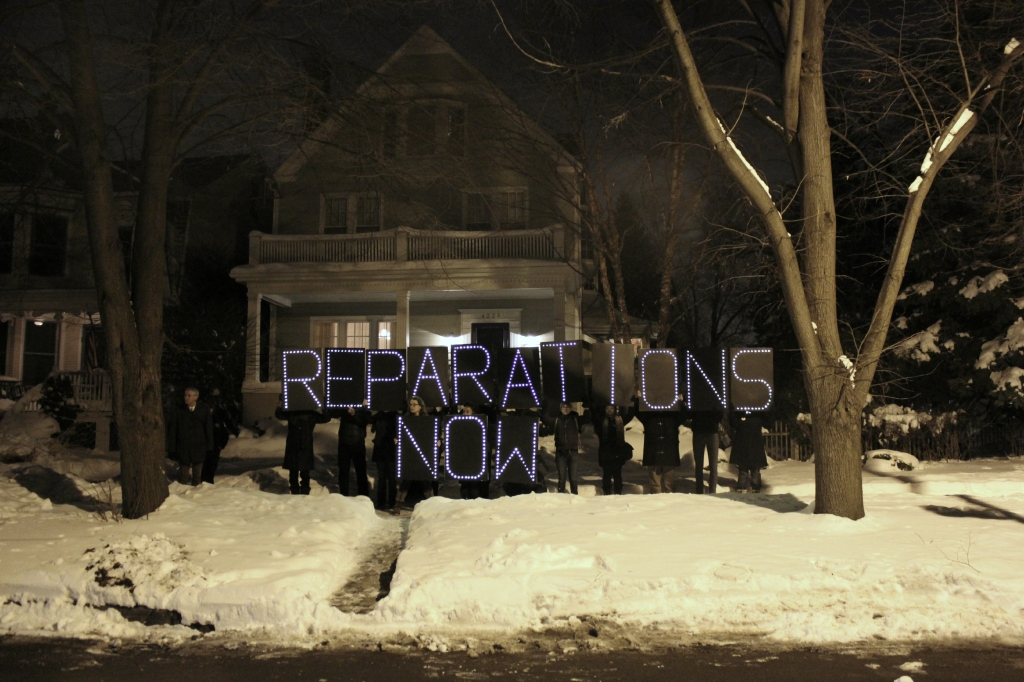 Outside Rahm Emanuel's house demanding reparations for CPD torture survivors. (Photo: Kelly Hayes)